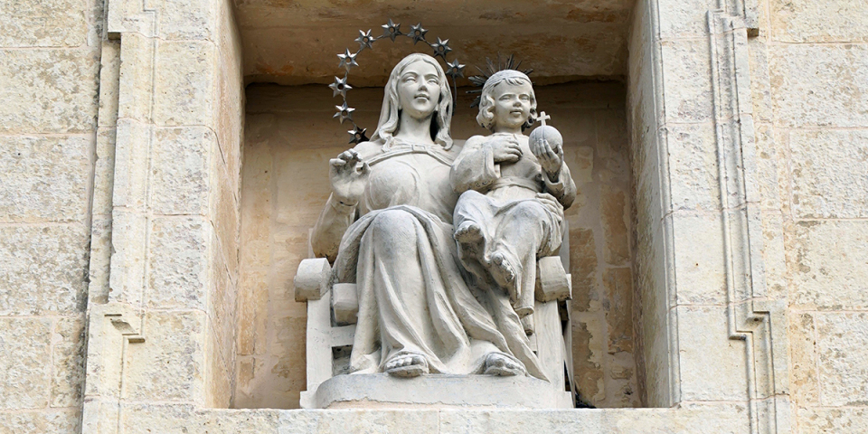 Statute of the Madonna and Child